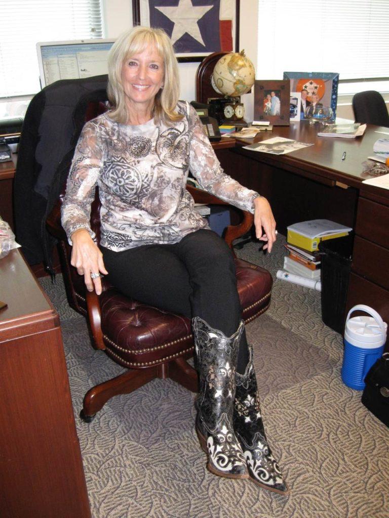 Ginna Desk-Boots